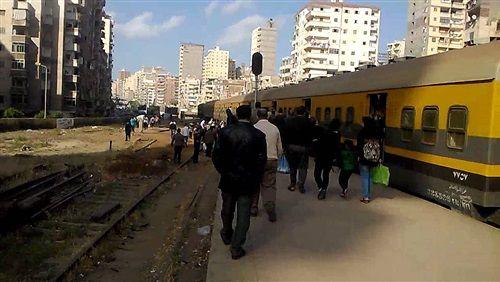 عودة حركة قطارات الخط الداخلي في الإسكندرية بعد توقفها ساعة